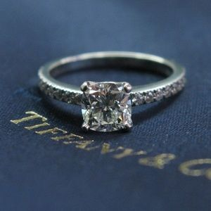 Tiffany & Co Platinum Novo Diamond Engagement Ring